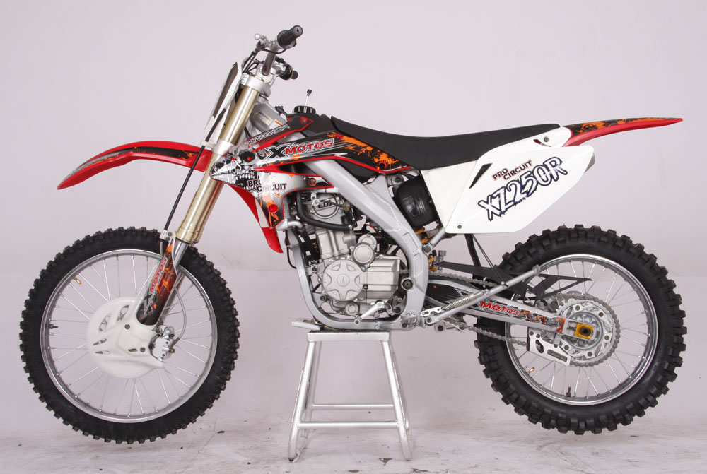 cenkoo xz250r 4 vannes 30ps 250cc refroidissement par eau motocross dirt bike rouge ebay. Black Bedroom Furniture Sets. Home Design Ideas