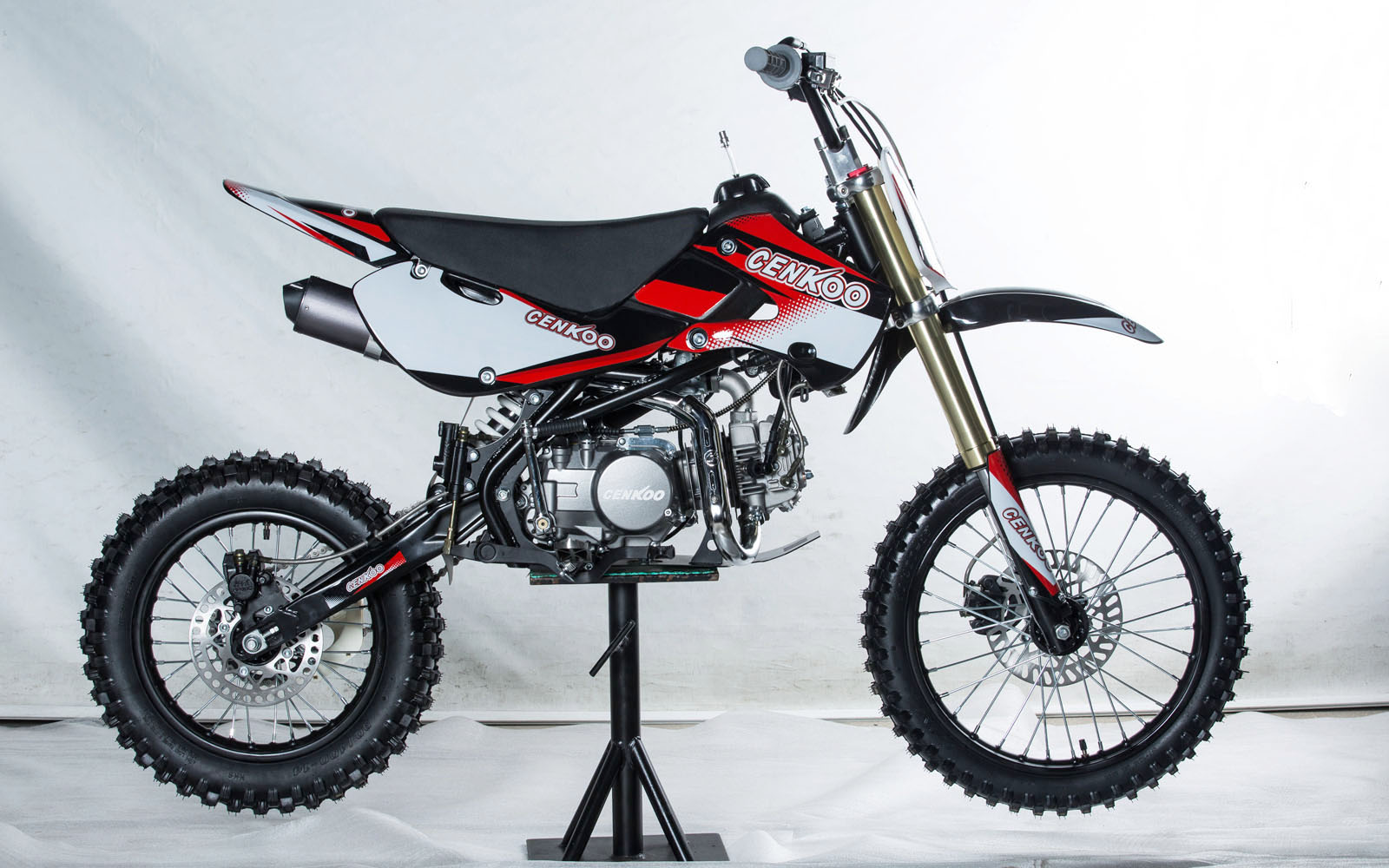 cenkoo cenkoo 140 140cc 17 14 cross dirt bike pit bike. Black Bedroom Furniture Sets. Home Design Ideas